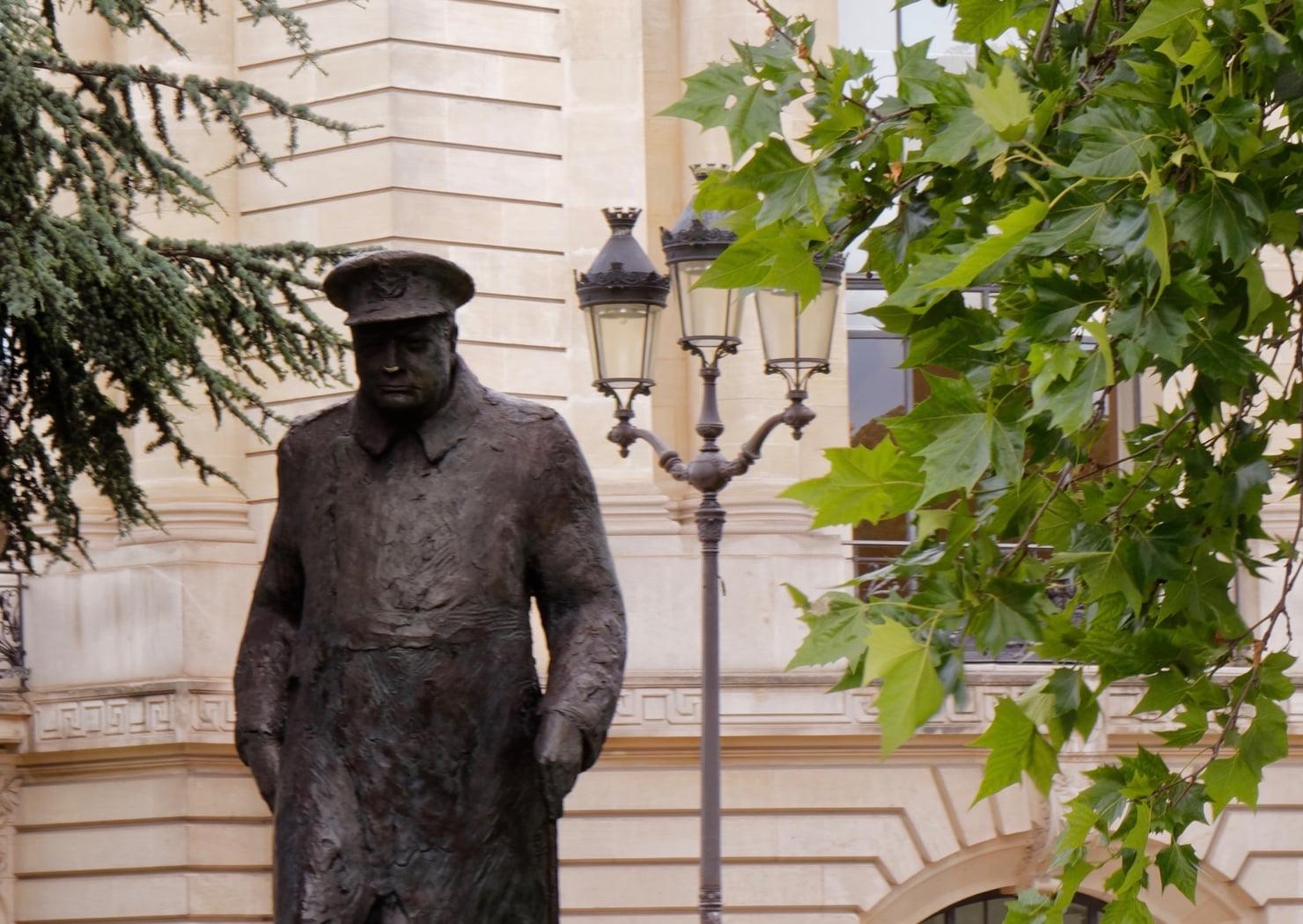 Churhicll statue, Paris
